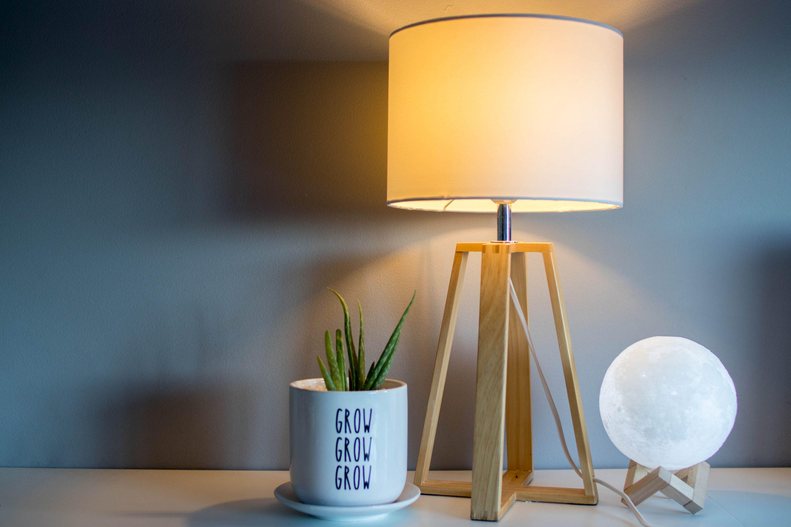 Jak wykorzystać oświetlenie w aranżacji wnętrza?