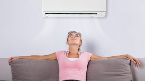 Czy klimatyzacja tylko chłodzi?