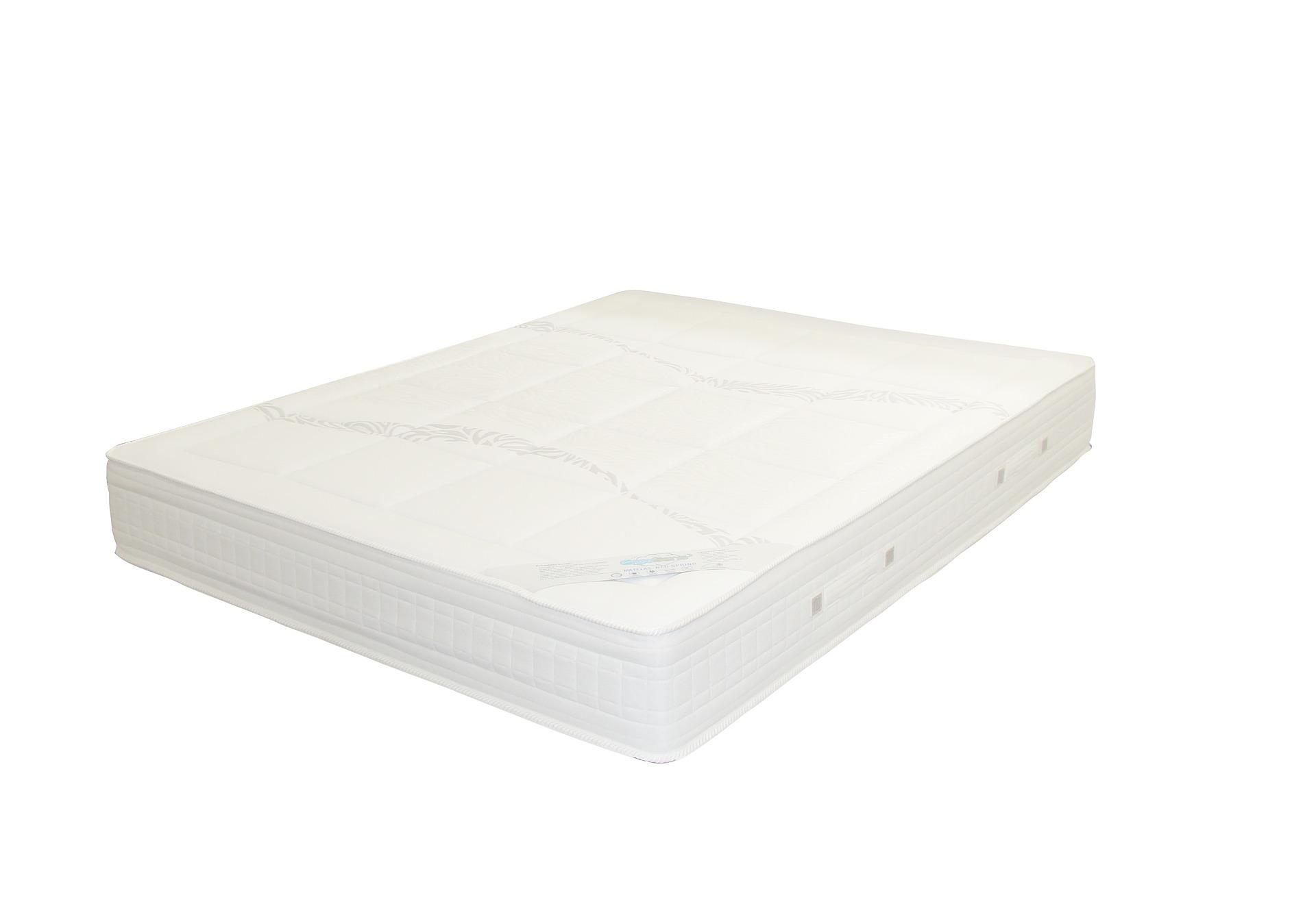 Jak najłatwiej przewieźć materac na łóżko?