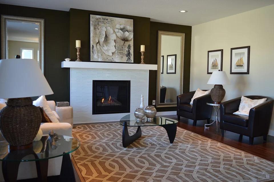 nowoczesny kominek w salonie