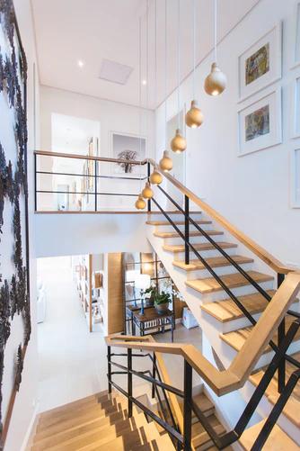 Jakie schody do domu jednorodzinnego są najlepsze
