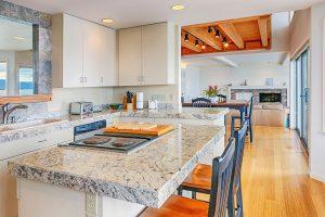 Najlepsze blaty do kuchni – dlaczego warto postawić na granit?