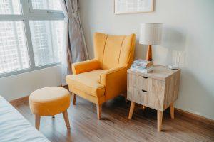 Gdzie szukać tanich foteli do salonu?